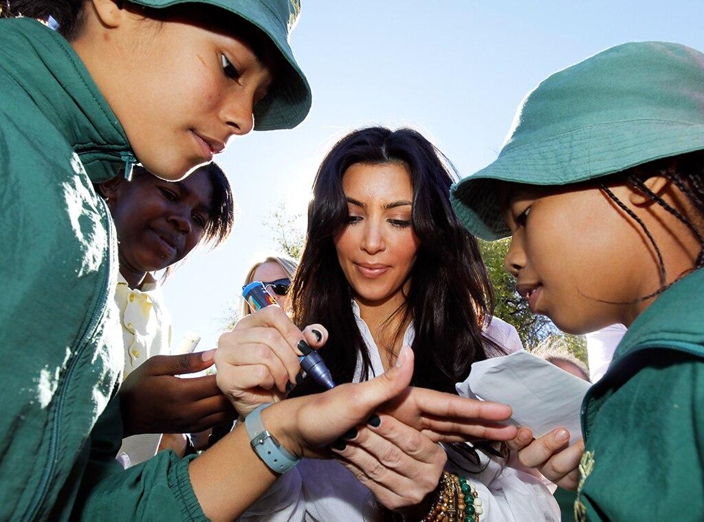 Kim Kardashian, Autograph