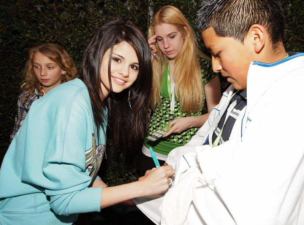 Selena Gomez, Autograph