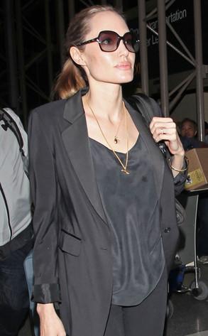 Angelina Jolie, Ring