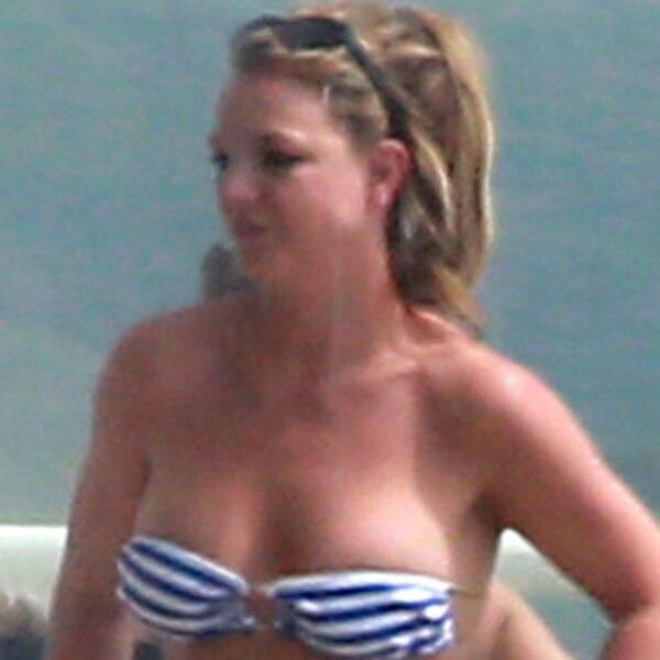 britney spears bikini babe see the pop stars beach bod