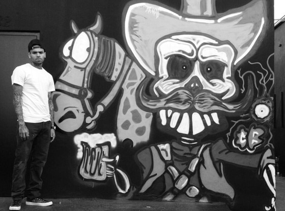 Chris Brown, Twitter, Graffiti