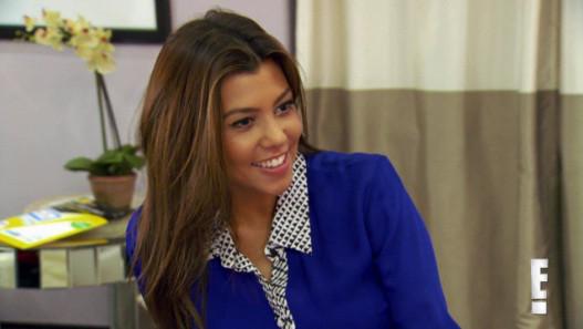 kourtney kardashian veut tre m re porteuse pour khlo kardashian odom e news. Black Bedroom Furniture Sets. Home Design Ideas