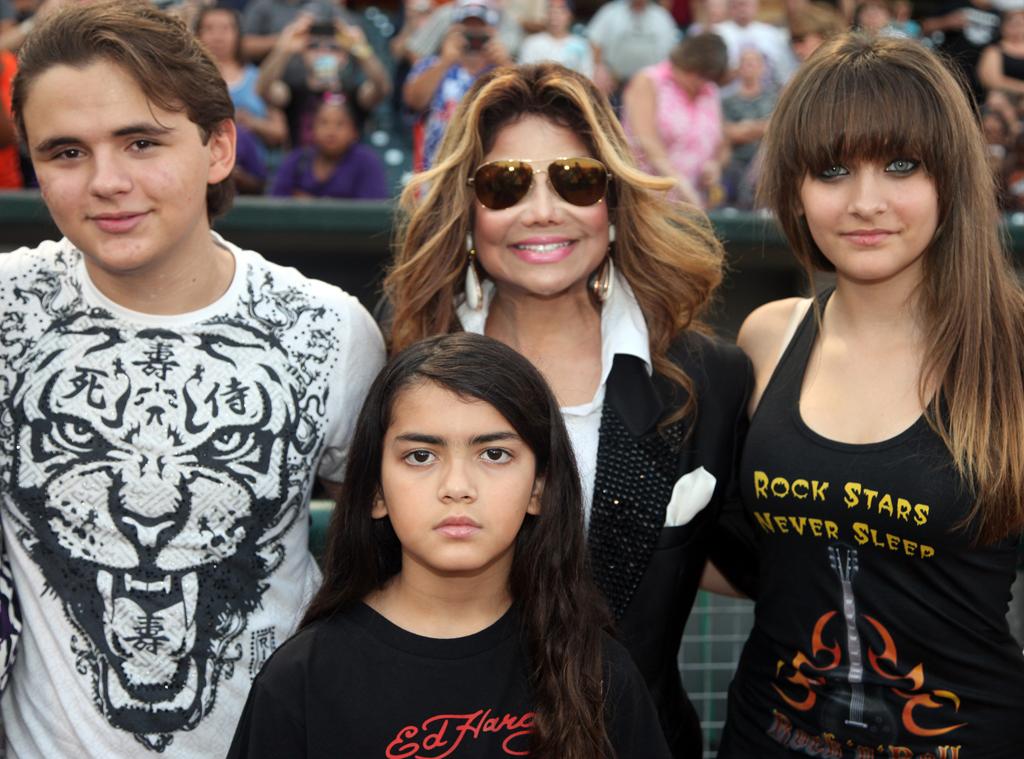Prince Jackson, La Toya Jackson, Prince Michael Jackson II, Blanket, Paris Jackson