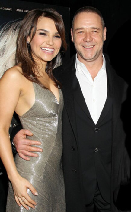 Samantha Barks, Russell Crowe