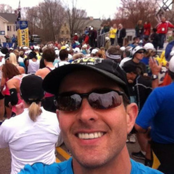 Joey McIntyre, Twitter, Boston Marathon