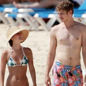 Rachel Bilson, Hayden Christensen, Bikini