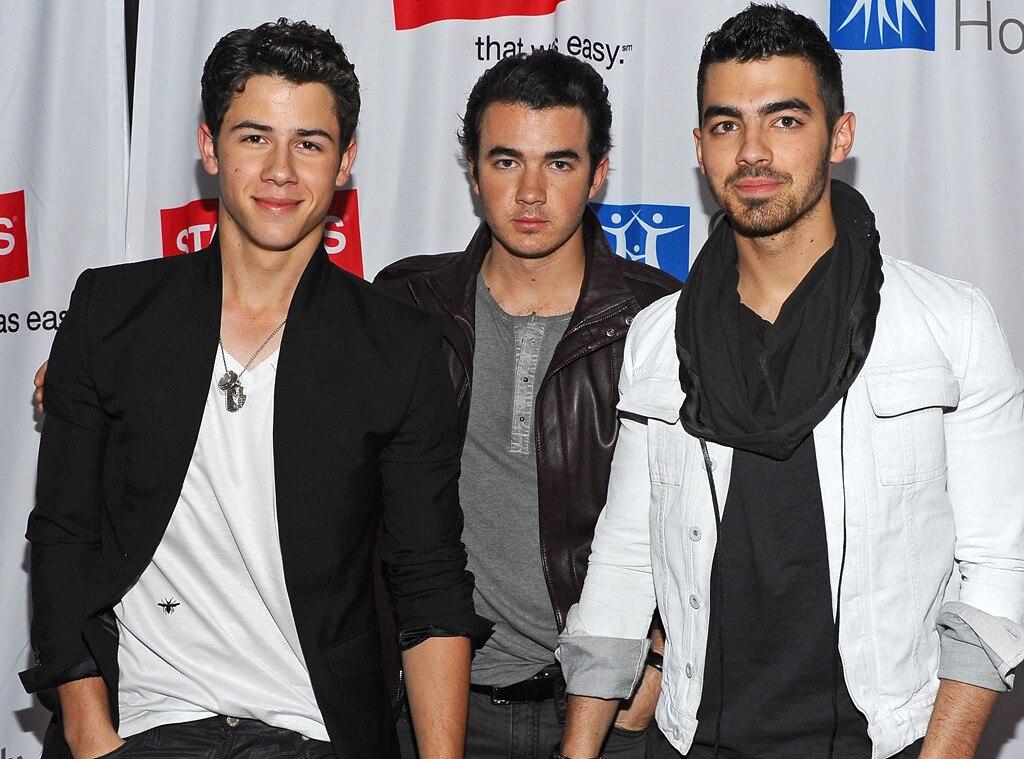 Nick Jonas, Kevin Jonas, Joe Jonas, Jonas Brothers 2011