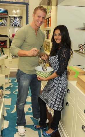 The Bachelor 39 S Sean Lowe And Fianc Not Living Together