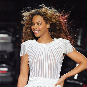 Beyoncé Posts Handwritten Apology for Canceled Concert as Pregnancy Rumors Ramp Up