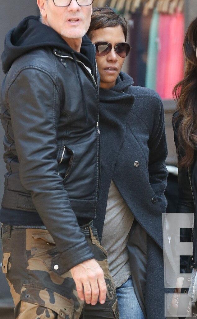 Halle Berry, Pregnant, Baby Bump