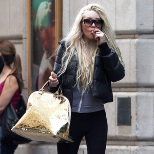 Amanda Bynes, Smoking