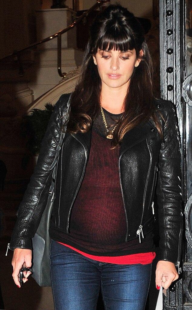 Penelope Cruz, Pregnant, Spain