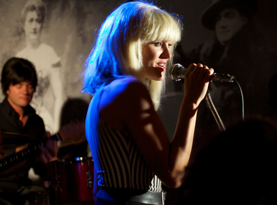Malin Akerman, Blondie, CBGB