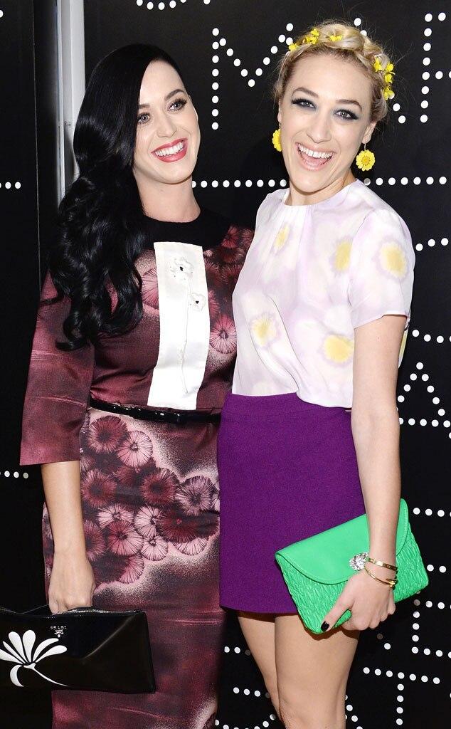 Katy Perry, Mia Moretti