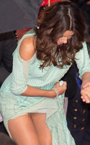 Eva Longoria, Cannes, Wardrobe Malfunction
