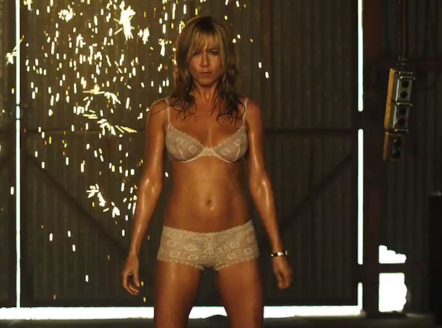 We're the Millers Trailer: Jennifer Aniston Wears a Thong ...