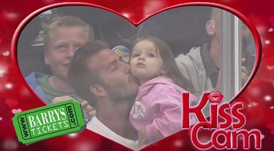 David Beckham, Harper, Kiss Cam