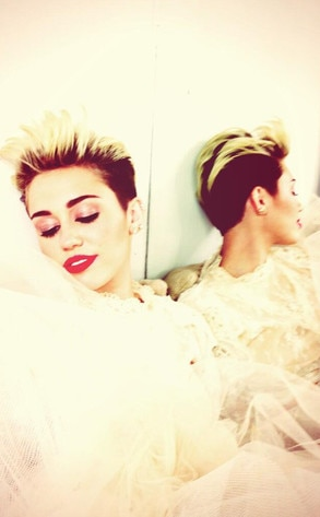 Miley Cyrus, Twitpic
