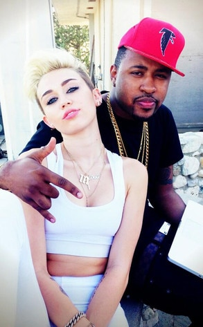 Miley Cryus, Twitter