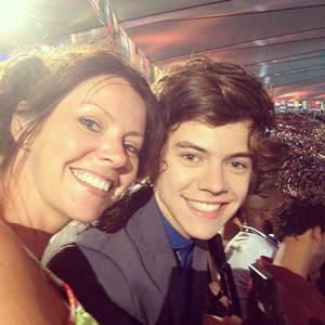 Harry Styles, Mom