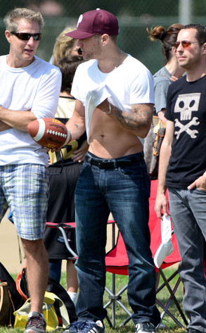 Ryan Phillippe Flashes Rock Hard Abs At Son Deacon S