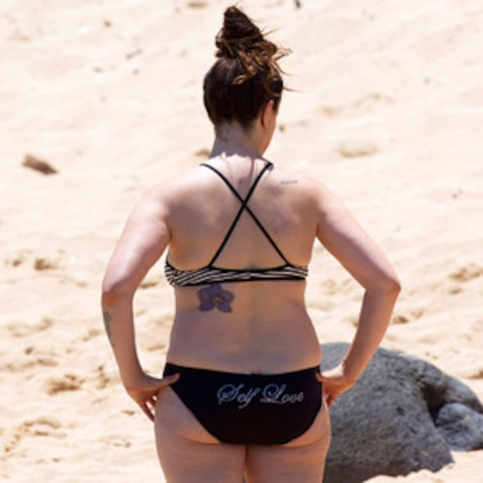 Alanis Morissette, Bikini