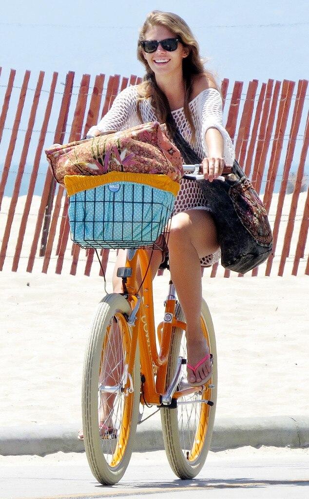 AnnaLynne McCord, Bike Riding