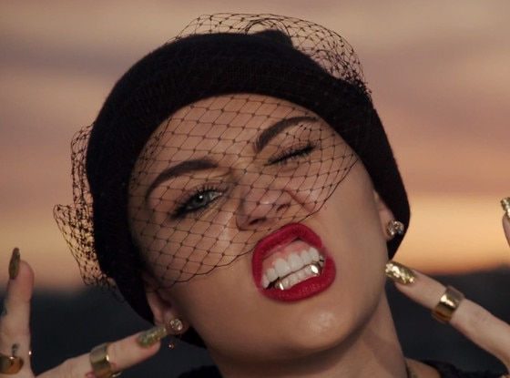 Miley Cyrus, We Can't Stop Video