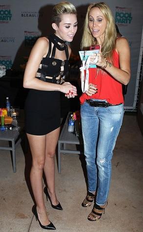 Miley cyrus wardrobe malfunction her girls try to escape - Swimming pool wardrobe malfunction pics ...