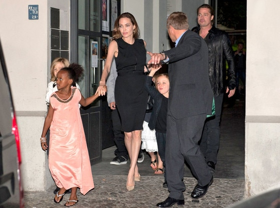 Angelina Jolie, Family