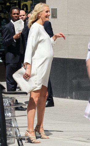 Cameron Diaz Shows Off Fake Baby Bump on The Other Woman ...Cameron Diaz Baby Pictures