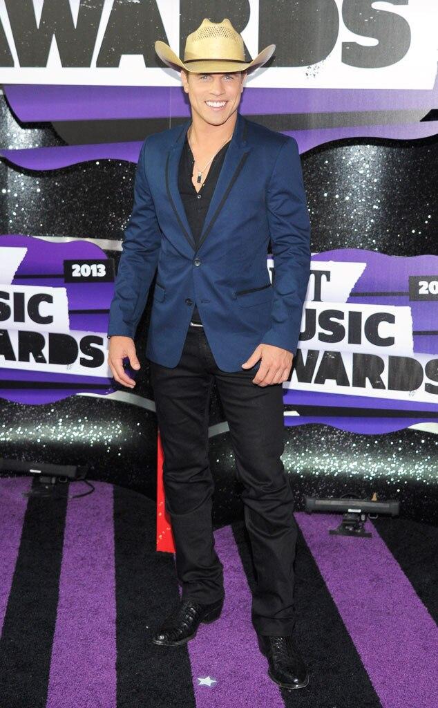 CMT Awards, Dustin Lynch