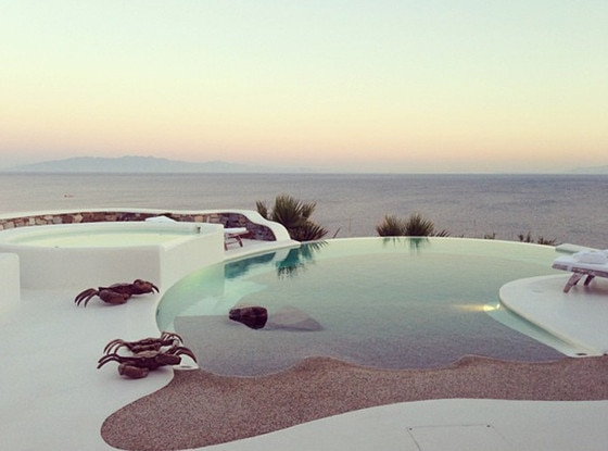 Kardashian, Instagram, Greece