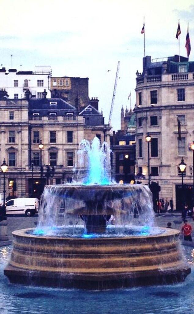 Trafalgar Square, Blue Fountain, Twit Pic