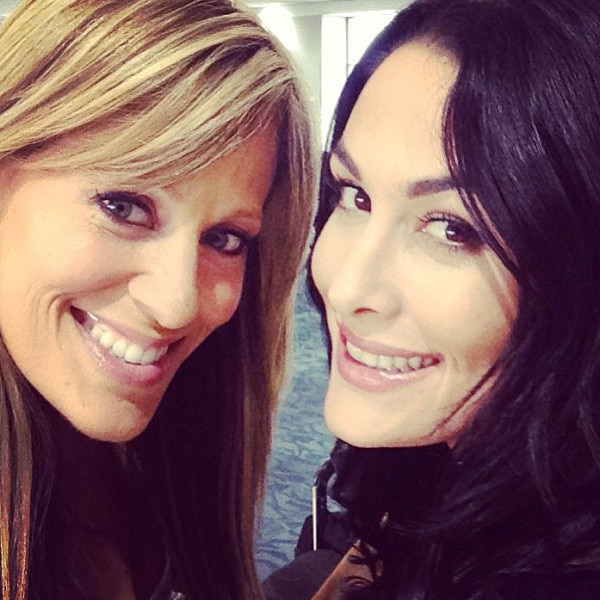 Brie Bella, Total Divas, Instagram