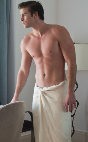 Liam Hemsworth, Paranoia, Shirtless