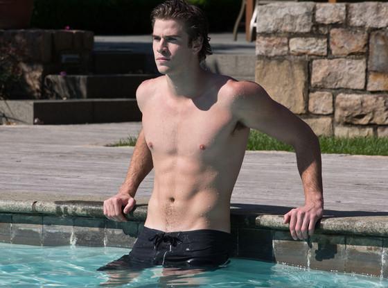 Liam Hemsworth, Paranoia, Shirtless