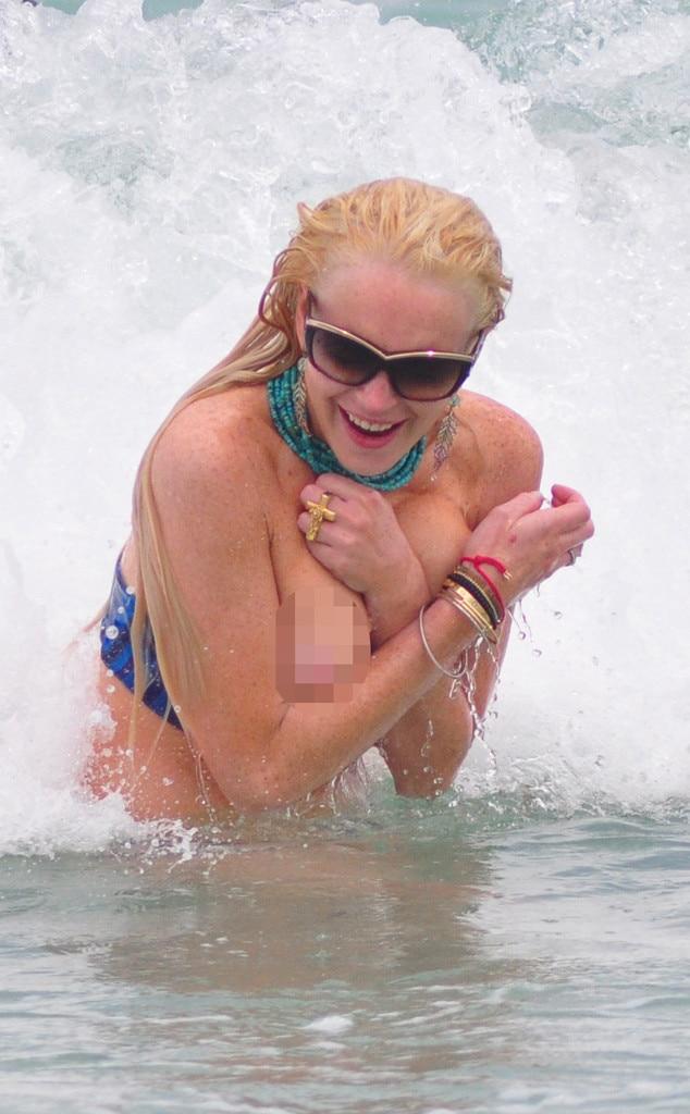 Lindsay Lohan, Bikini Malfunction