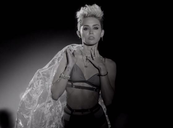 Miley Cyrus, Big Sean Fire Video