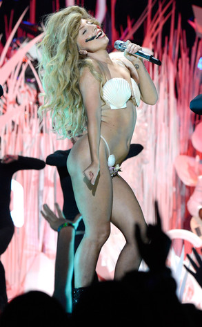 Lady Gaga, 2013 MTV Video Music Awards