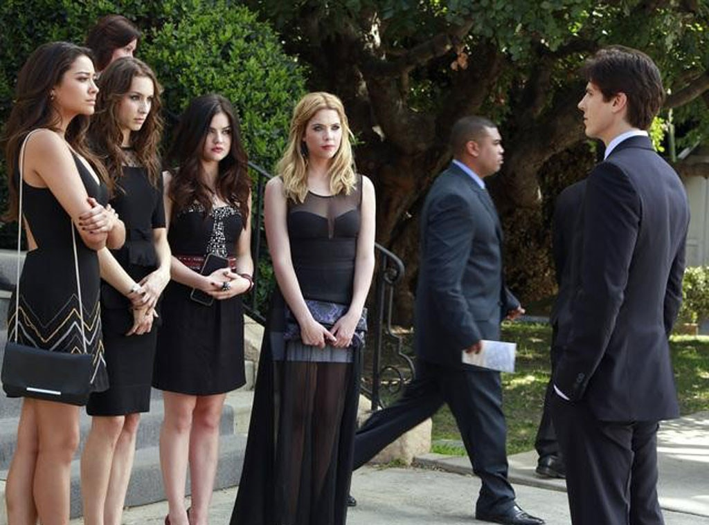 Pretty Little Liars, OMG Moments, Season 4
