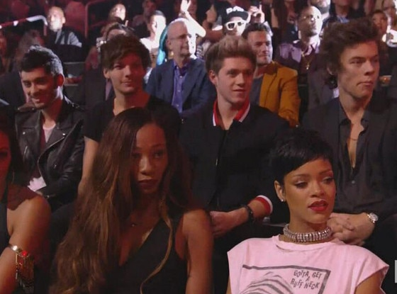 Rihanna, One Direction, Miley Cyrus Reactions, VMAs