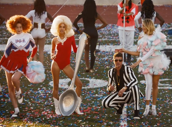 Robin Thicke, Give It 2 U
