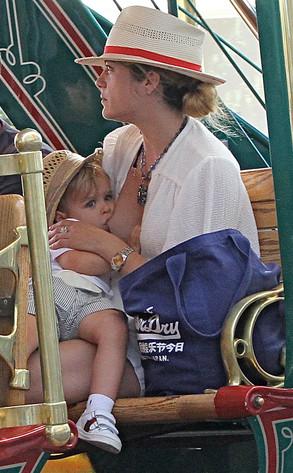 Selma Blair, Arthur, Breastfeeding