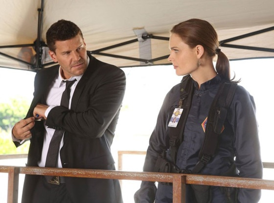 BONES: Emily Deschanel, David Boreanaz