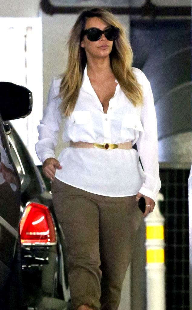 Kim Kardashian Steps Out With Blond Hair, Amazing Post ...