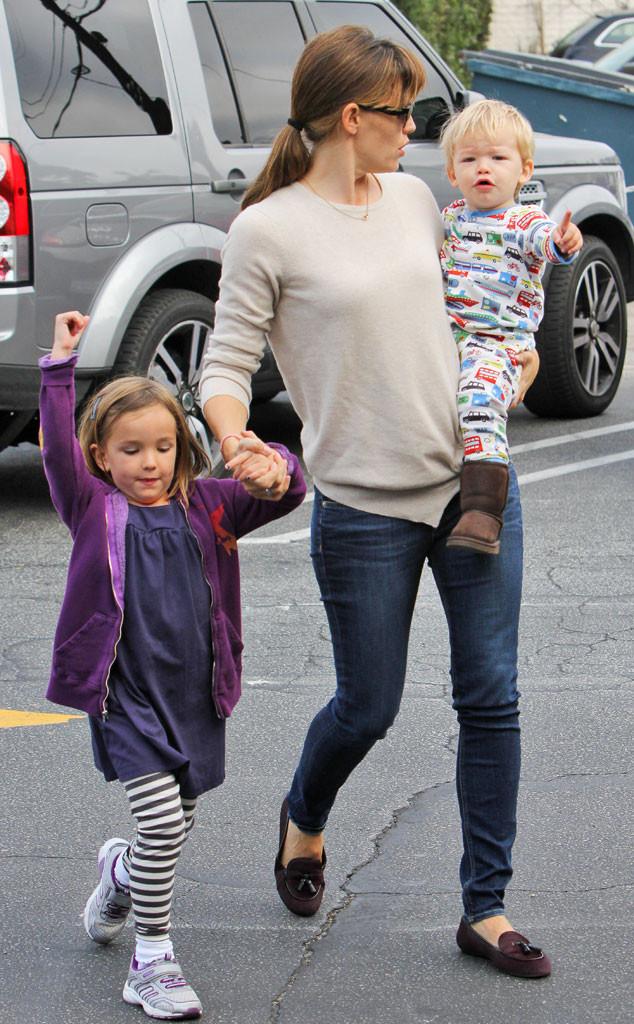 Auto Mart Usa >> Jennifer Garner & Ben Affleck's Son Samuel Has Awesome Pajamas   E! News