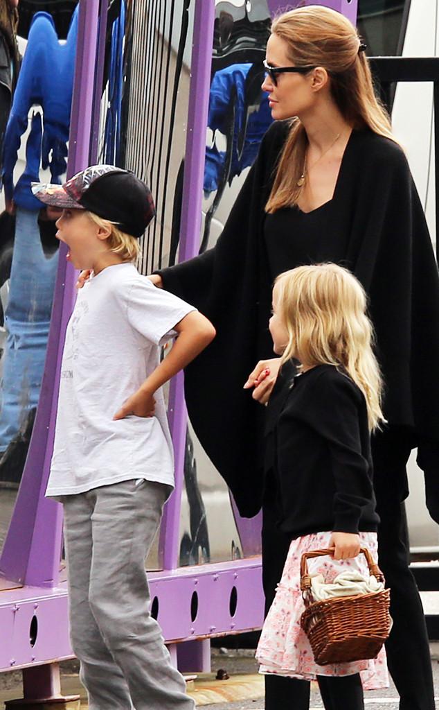 Angelina Jolie, Vivienne, Shiloh