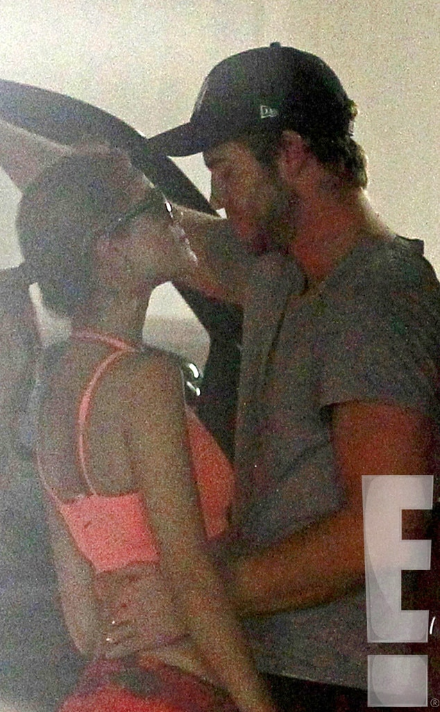 Liam Hemsworth And Eiza Gonzalez Michelle Rodrig...