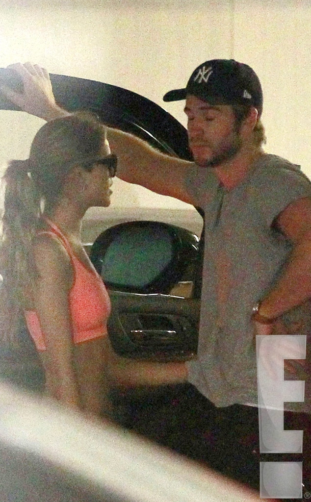 Getting Cozy From Liam Hemsworth Amp Eiza Gonz 225 Lez S Steamy
